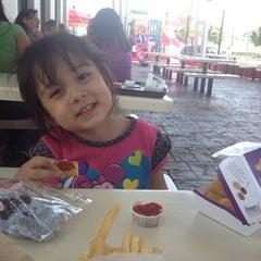 Photo taken at McDonald's by Roxana G. on 4/16/2014