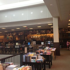 Photo taken at Barnes & Noble by Rishi S. on 5/12/2013