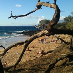Photo taken at Little Beach by Leslie 🔆 H. on 12/21/2012