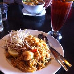 Photo taken at Newtown Thai by Lauro on 9/16/2014