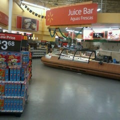 Photo taken at Walmart Supercenter by A r nO ld on 2/16/2013