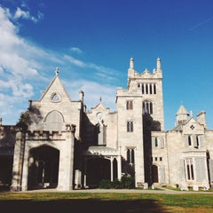 Photo taken at Lyndhurst by Heather M. on 10/13/2014