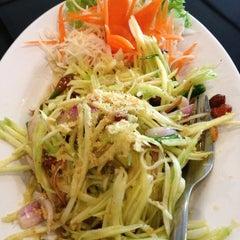 Photo taken at Siriwan Thai Seafood Restaurant by Pkcik T. on 3/21/2013