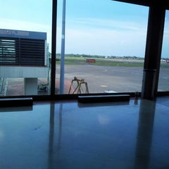 Photo taken at Gate F3 by Rufy R. on 3/14/2013