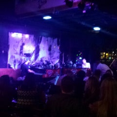 Photo taken at Pete's Dueling Piano Bar by Erica S. on 10/17/2014