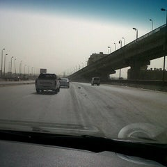 Photo taken at Ring Road | الطريق الدائري by Jean-Marie L. on 3/16/2013