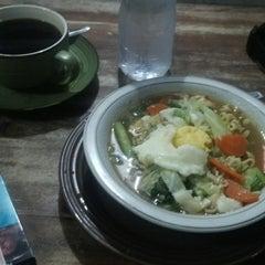 Photo taken at Daniel's Coffee Corner by Ashudi S. on 9/27/2014