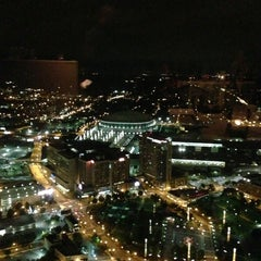 Photo taken at Sun Dial Restaurant, Bar & View by Nia P. on 10/3/2012