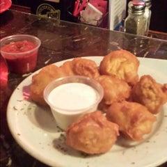 Photo taken at Cloverleaf Bar & Restaurant by Theresa 💏 🐶🐱🌳 C. on 10/12/2014