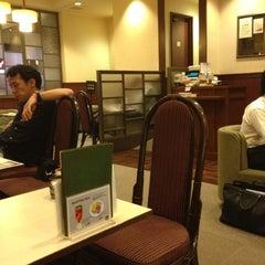Photo taken at Cafeルノアール ヨドバシAkiba横店 by Irma, Miho ゐ. on 9/14/2012