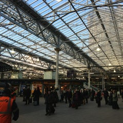 Photo taken at Edinburgh Waverley Railway Station (EDB) by Howard E. on 1/15/2013