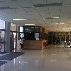 Photo taken at Facultad de Ciencias de la Comunicación by Galería C. on 10/9/2012