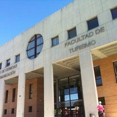 Photo taken at Facultad de Ciencias de la Comunicación by Galería C. on 5/30/2013