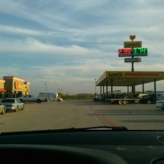 Photo taken at Love's Travel Stop by Serkan A. on 11/26/2012