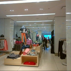 Photo taken at Gap by Cesar, Jr. C. on 1/28/2013