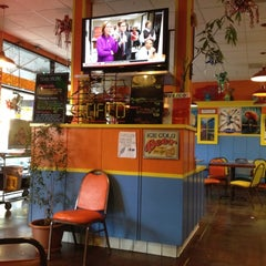 Photo taken at Los Cantaros Taqueria by Jonathan M. on 9/22/2012