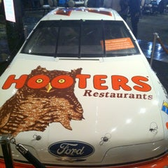Photo taken at Hooters Hotel & Casino by Brian G. on 11/12/2012