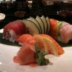 Photo taken at Fuji Hana Hibachi Steakhouse & Sushi Bar by Amy B. on 7/1/2011