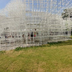 Photo taken at Serpentine Gallery by Reece S. on 7/18/2013