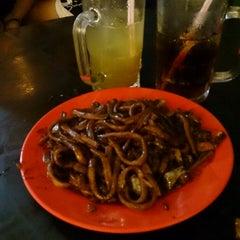 Photo taken at Kim Lian Kee Restaurant (金莲记) by Yu L. on 3/24/2013