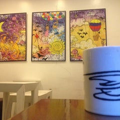 Photo taken at Coffee Dream by Reef M. on 12/2/2013