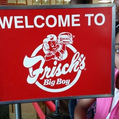 Photo taken at Frisch's Big Boy by Lisa C. on 4/13/2014