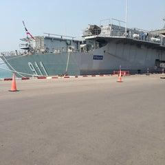 Photo taken at เรือหลวงจักรีนฤเบศร (HTMS Chakri Naruebet) by Supachai T. on 1/21/2013