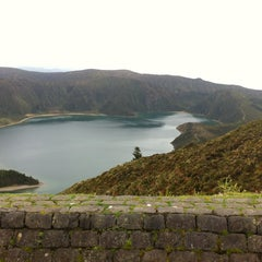 Photo taken at Miradouro da Lagoa do Fogo by Sofia V. on 2/1/2015