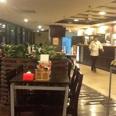 Photo taken at PARKROYAL Kuala Lumpur by Syed M. on 11/14/2012