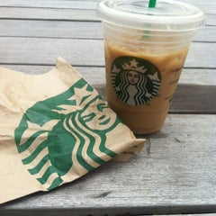 Photo taken at Starbucks by Stephon S. on 8/5/2013