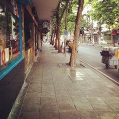 Photo taken at ถนนคอนแวนต์ (Convent Road) by Utain B. on 5/5/2013