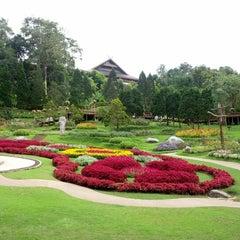 Photo taken at พระตำหนักดอยตุง (Doi Tung Royal Villa) by Pisan C. on 10/6/2012