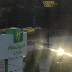 Photo taken at Holiday Inn Hotel & Suites Stockbridge/Atlanta I-75 by Blair on 11/14/2012