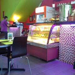 Photo taken at Ar-Rayan Arab Restaurant by Raihana L. on 11/5/2012