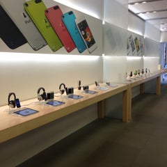 Photo taken at Apple Store, Stonestown by Ivan D. on 5/9/2013