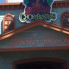 Photo taken at Scooby - Doo Ghostblasters by Ashley E. on 3/12/2014