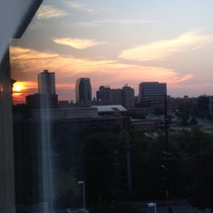Photo taken at Four Points by Sheraton Knoxville Cumberland House Hotel by Tracy D. on 8/4/2015