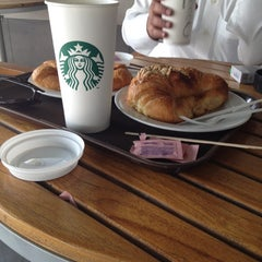 Photo taken at Starbucks | ستاربكس by Khaled_S on 11/11/2012
