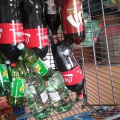 Foto tomada en Walmart Paraíso por Erika el 9/20/2014