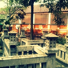 Photo taken at Hotel Salak The Heritage by desianti n. on 3/29/2013