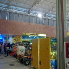 Photo taken at Centro Comercial VIVA by Tedd D. on 1/27/2013