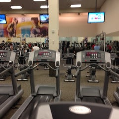 Photo taken at LA Fitness by Ariel P. on 10/1/2013