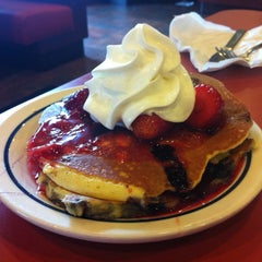 Photo taken at IHOP by Veronica G. on 12/16/2012