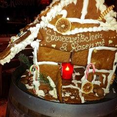 Das Foto wurde bei Schneeweißchen & Rosenrot von Euphoriefetzen am 12/13/2012 aufgenommen
