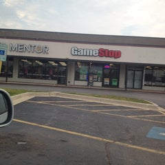 Photo taken at GameStop by Leonard W. on 8/12/2014