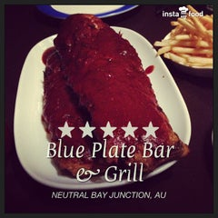 Photo taken at Blue Plate Bar & Grill by Taro M. on 6/18/2013