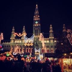 Das Foto wurde bei Rathausplatz von Yana am 11/25/2012 aufgenommen