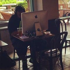 Photo taken at Starbucks by Ashur T. on 7/15/2014