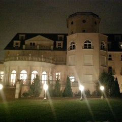 Photo taken at 1a Park Hotel Berlin Schloss Kaulsdorf by Stephan L. on 11/23/2013
