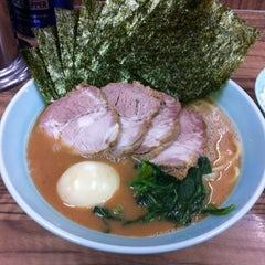 Photo taken at 武蔵家 中野本店 by Powerweb on 10/26/2012